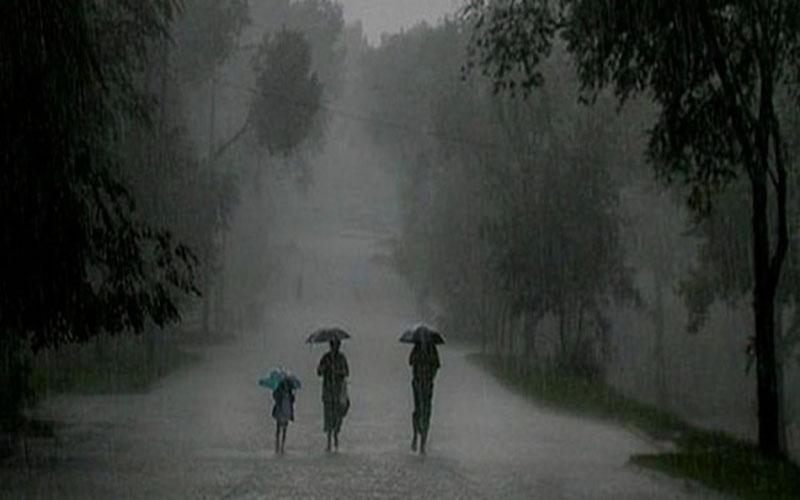 মৌসুমী বায়ু সক্রিয় থাকায় মাঝারী থেকে ভারী বর্ষণের সম্ভাবনা