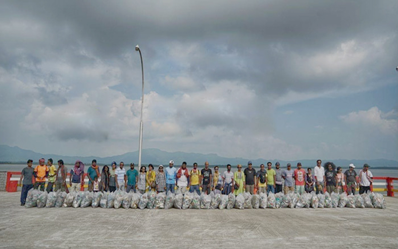 সেন্টমার্টিনে ৫৫৫ কেজি প্লাস্টিক বর্জ্য পরিষ্কার করলেন টিওবি গ্রুপের সদস্যরা