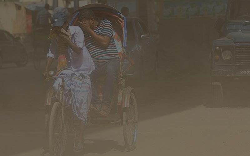 বিশ্বের সবচেয়ে দূষিত শহরের তালিকায় দিল্লির স্থান প্রথম, পঞ্চম ঢাকা