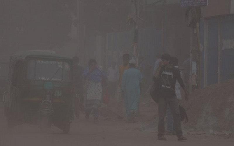 ধুলা আর দূষণে বিপর্যস্ত গাজীপুর, মারাত্মক স্বাস্থ্য ঝুঁকিতে নগরবাসী