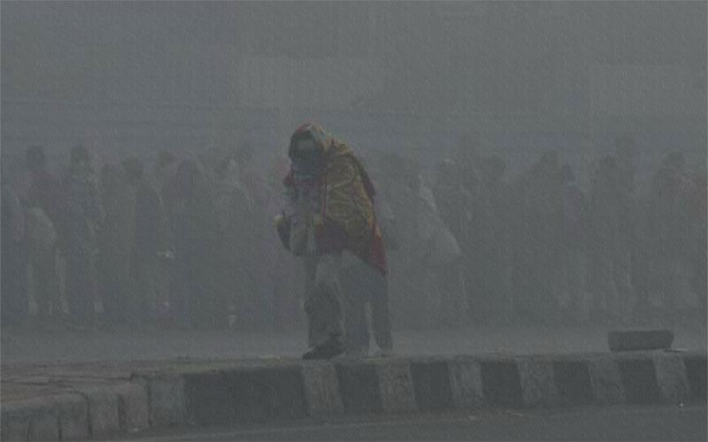 হাঁড় কাঁপানো শীতে কাঁপছে ভারত, ধেয়ে আসছে শিলাবৃষ্টি